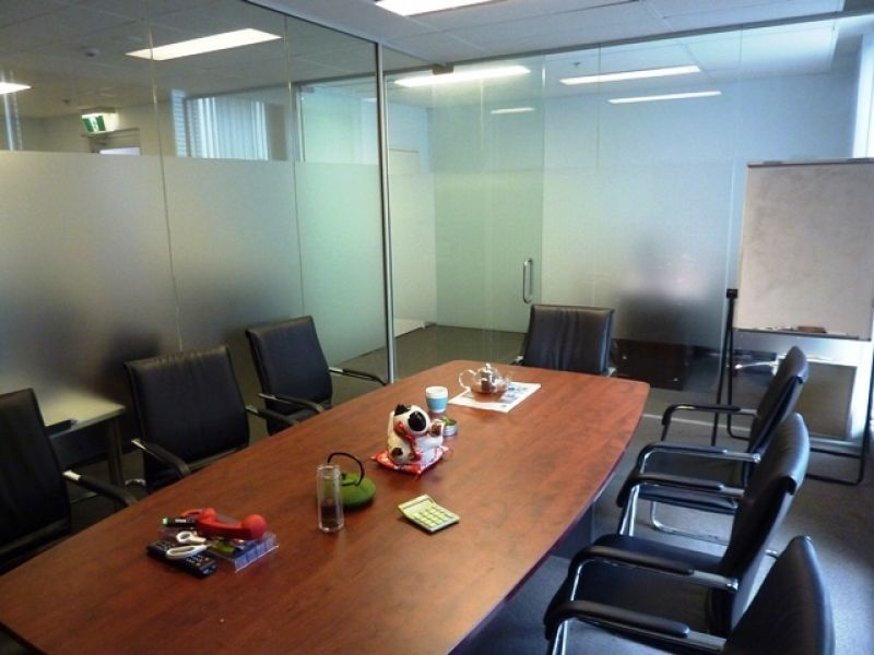 World Tower Modern Office For Lease!!