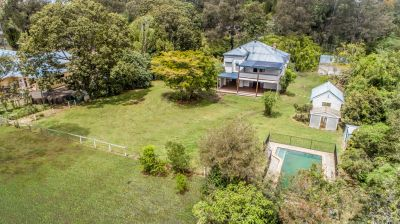 COLONIAL CHARM on 2 ACRES NEAR MUDGEERABA SHOWGROUNDS