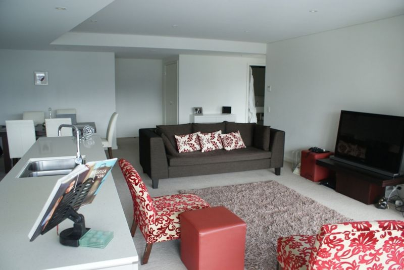 Spacious north facing 2 bedroom apartment