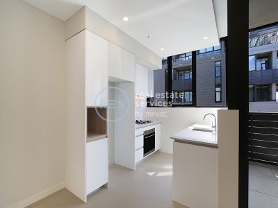 Bright 1-Bedroom Apartment with Study Nook in Waterloo