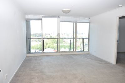 The Promenade: 14th Floor - Fantastic Location!