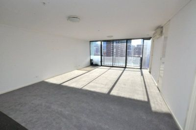 Southpoint: Luxurious and Light-filled Three Bedroom Apartment!