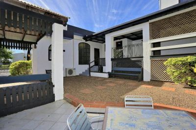 ENORMOUS SPANISH COLONIAL HOME on 1,257M2!