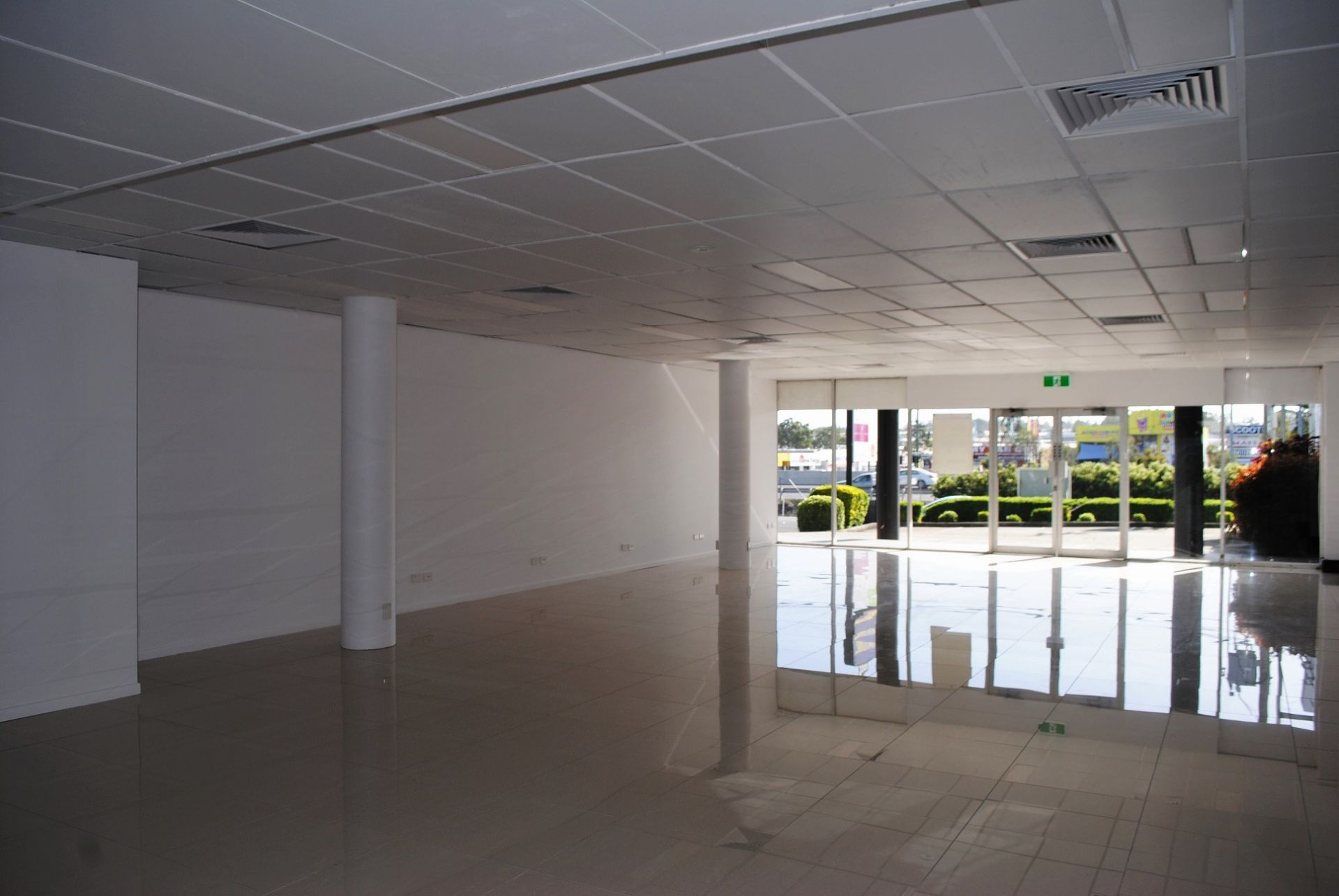 GROUND FLOOR RETAIL/ OFFICE - IN HIGH PROFILE LOCATION