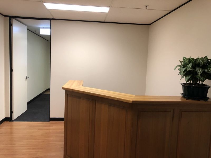 Executive Office For Lease! Close to Townhall and Courts
