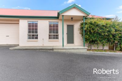 10/369 Hobart Road, Youngtown