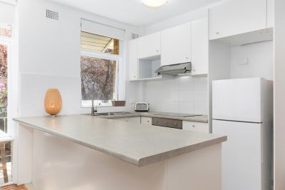 Bright and Spacious Two Bedroom apartment with a short walk to Bondi Beach!