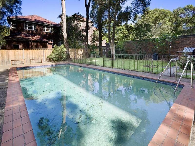 ENORMOUS 3 BEDROOM APARTMENT IN THE HEART OF BONDI!