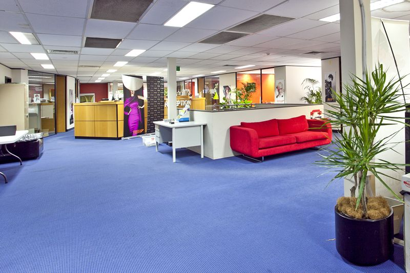 LARGE WAREHOUSE / OFFICE AND SHOWROOM COMBINATION