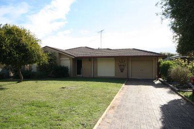 4 Letts Place, East Bunbury