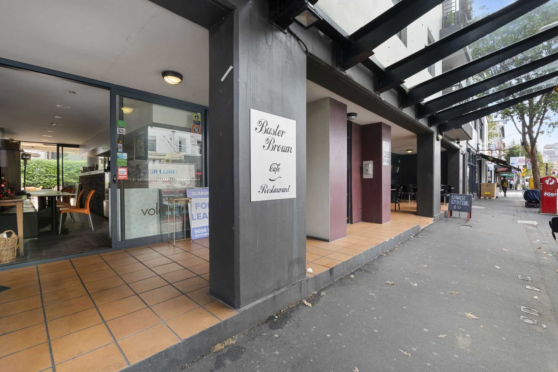 Cafe Opportunity on Bustling Crown Street