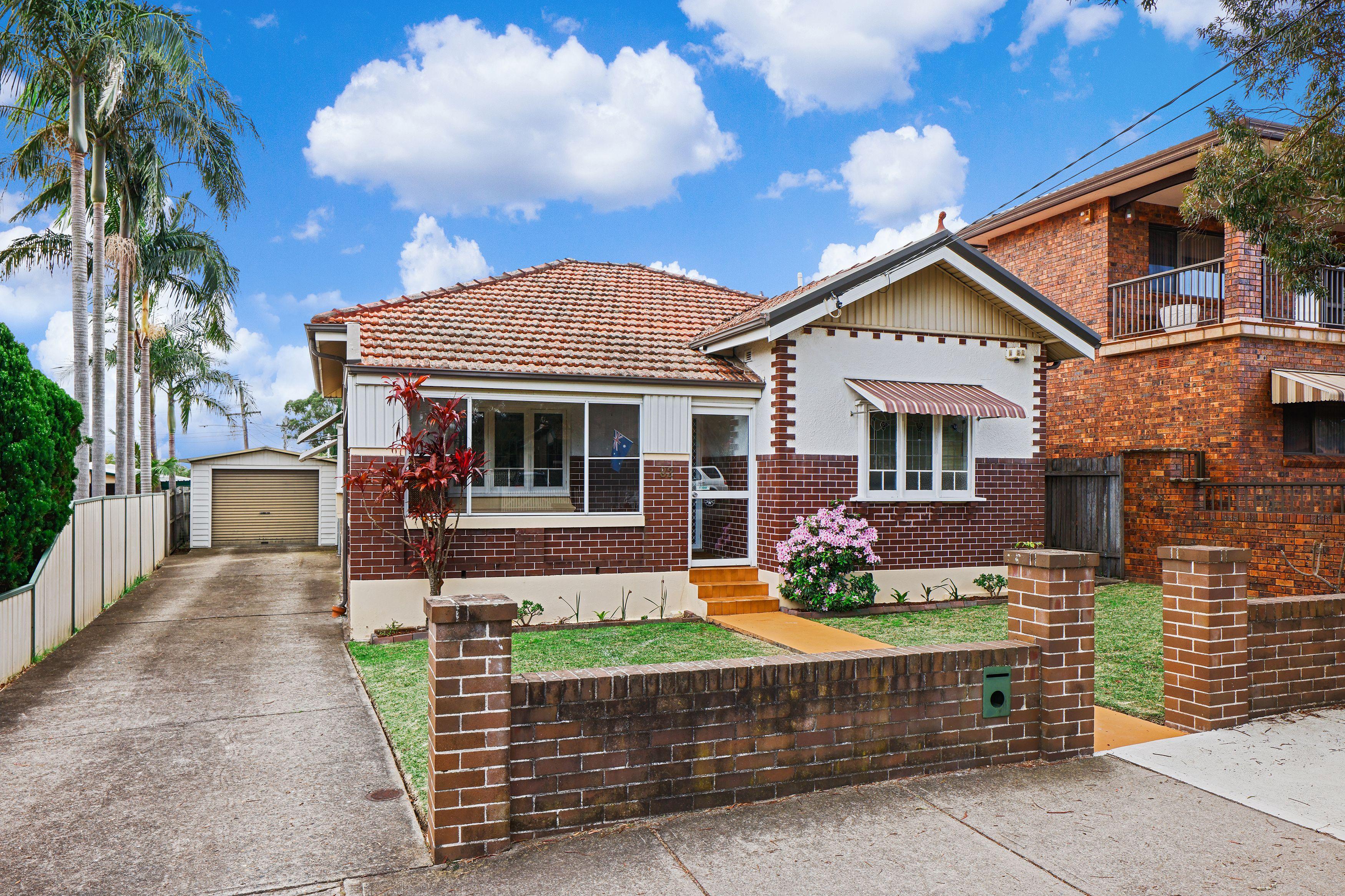 82 Russell Street, Russell Lea NSW 2046