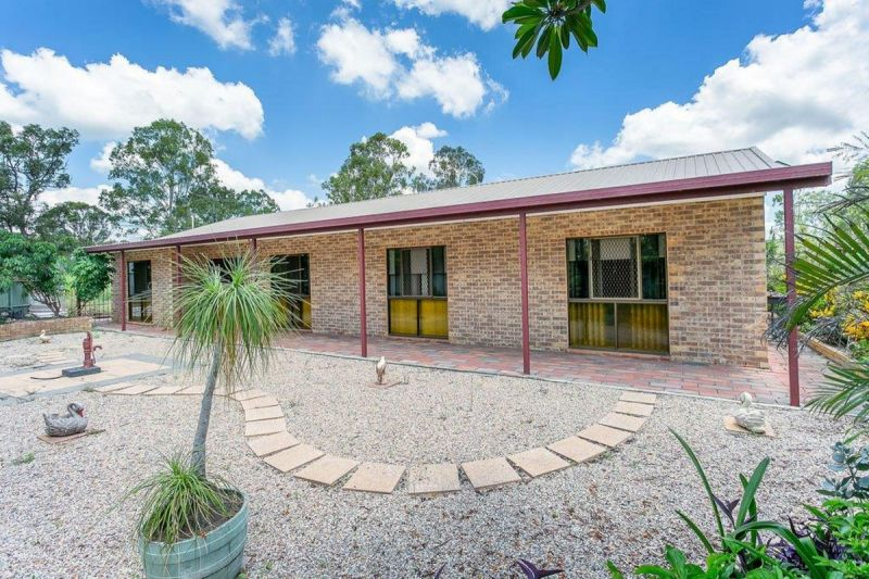 LARGE FAMILY ON HOME 2 ACRES WITH SHEDS & POOL