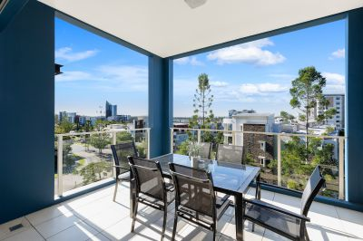 Inner City Lifestyle with Skyline Views! Investors Must See!