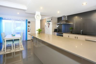Stunning Fully Renovated Townhouse
