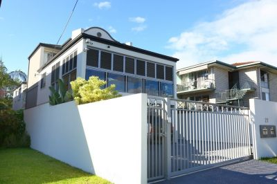 PERFECT DUPLEX PAIR IN SOUTHPORT CBD  LOCATION  - MOTIVATED SELLER