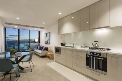 Melbourne One: Modern & Bright Two Bedroom!