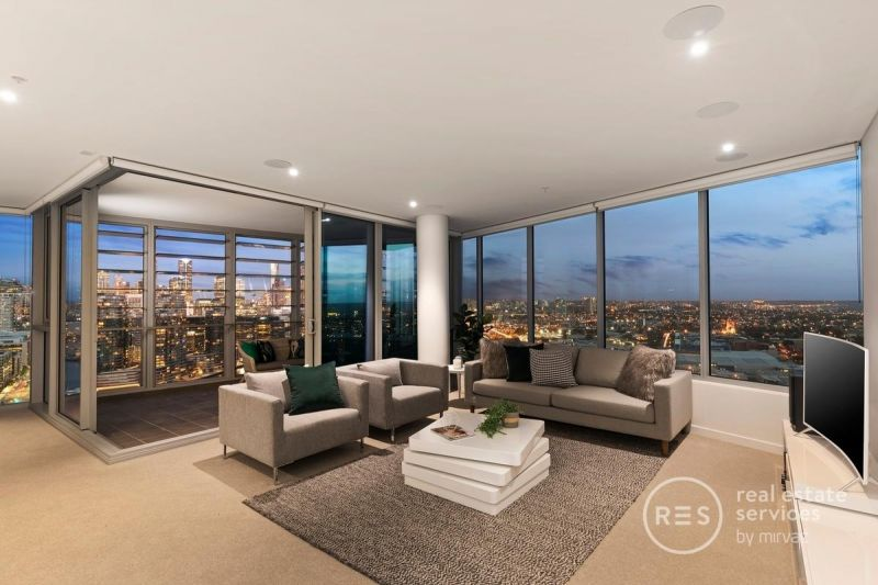 Breathtaking 29th Floor City and River Views