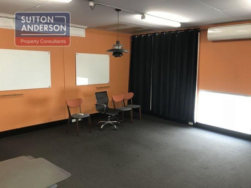 Sub-lease office warehouse