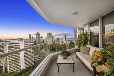 Impressive 3-bedroom apartment in exclusive Grand Mariner