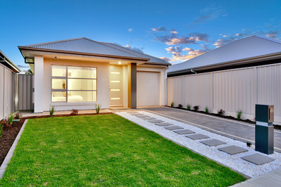 Brand new free standing custom built Torrens Title home on generous allotment