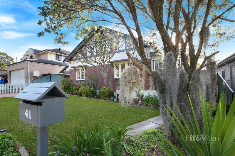 41 Kenneth Avenue, Kirrawee NSW 2232