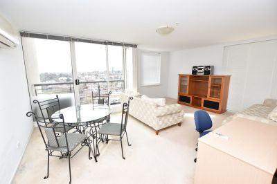 City Condos: 19th Floor - Prestigious Address!