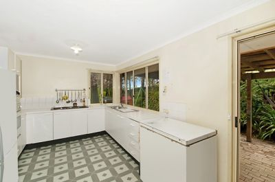 Dress Circle location. Home plus Granny Flat/separate office!  Renovate and profit!