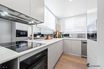 Range of Stunning, Designer 2 Bedroom Apartments with Lock Up Garages