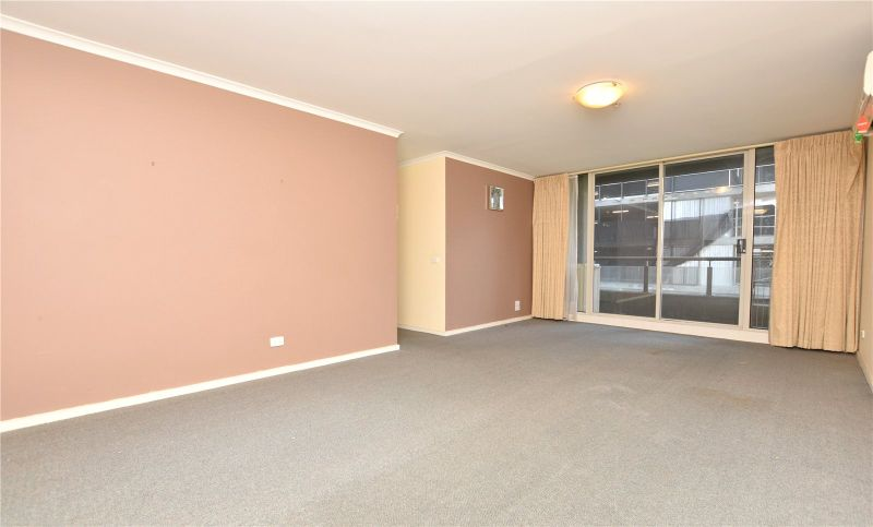 Southbank Condos: 8th Floor - You Will Adore This One!