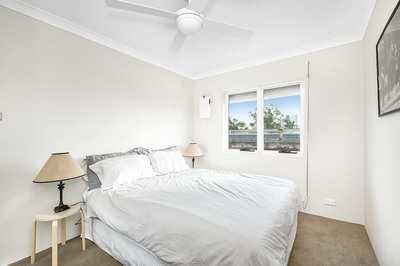 5/74A  Queen Street , Concord West