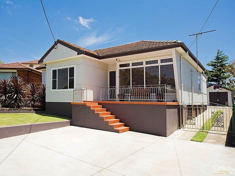 301 Cooriengah Heights Road, Engadine NSW 2233