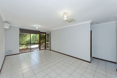 TIDY 2 BEDROOM UNIT IN PRIME LOCATION
