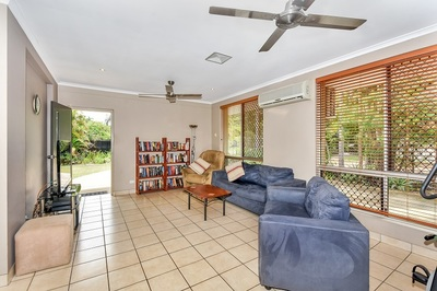 Amazing 4br house and self contained workshop package