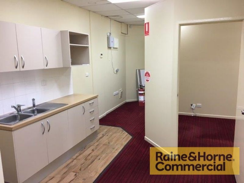 Well Presented Office/Retail Space in Cleveland Central