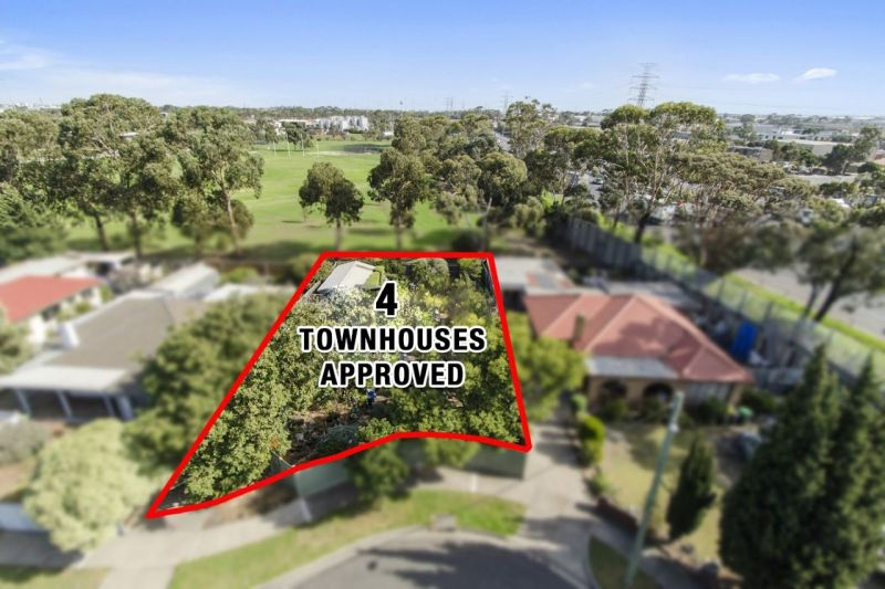 Price Reduced. Endorsed Plans For Four Townhouses!