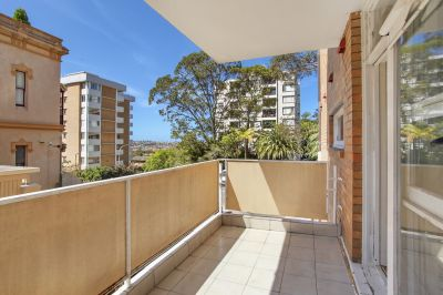 A low maintenance north facing apartment with scope to update