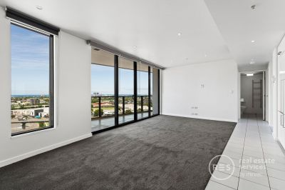 Large 1 bedroom in Yarra's Edge