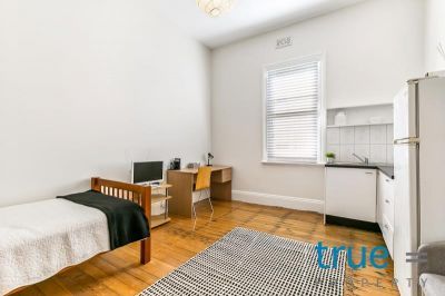 PERFECTLY LOCATED STUDIO = FULLY FURNISHED