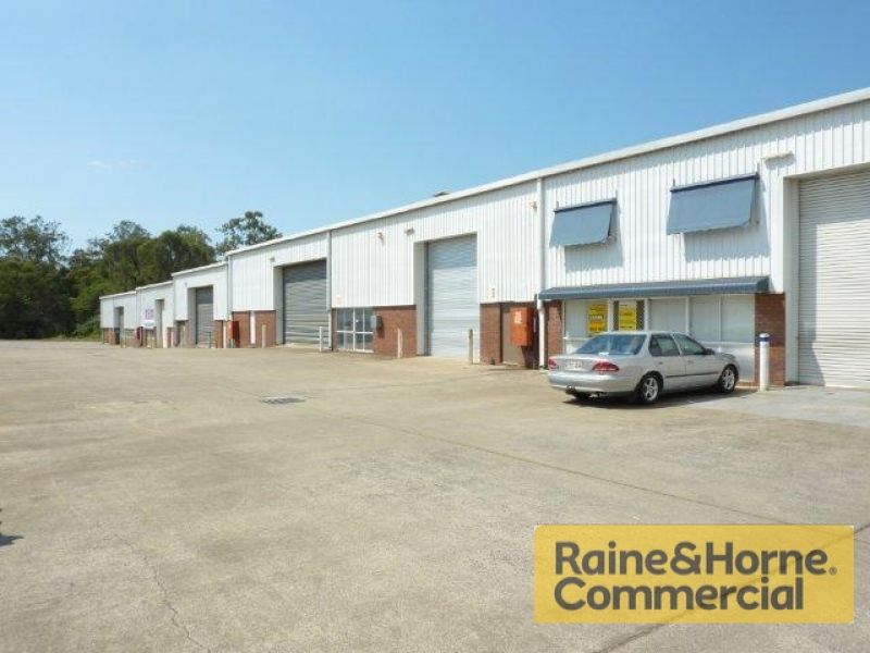 525sqm Industrial Warehouse with Full Drive Through Facility