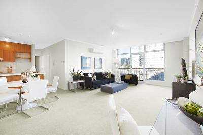 Cityview Tower: Private and Peaceful Inner City Stunner!