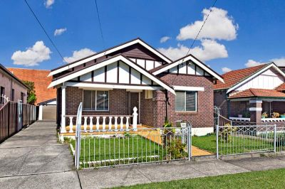Spacious Family Home in Village Location