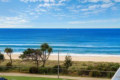 INVESTOR ALERT  DIRECTLY OPPOSITE THE BEACH!!