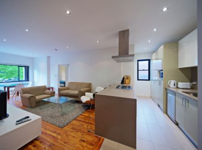 Renovated 2 bedroom in the heart of Bondi beach