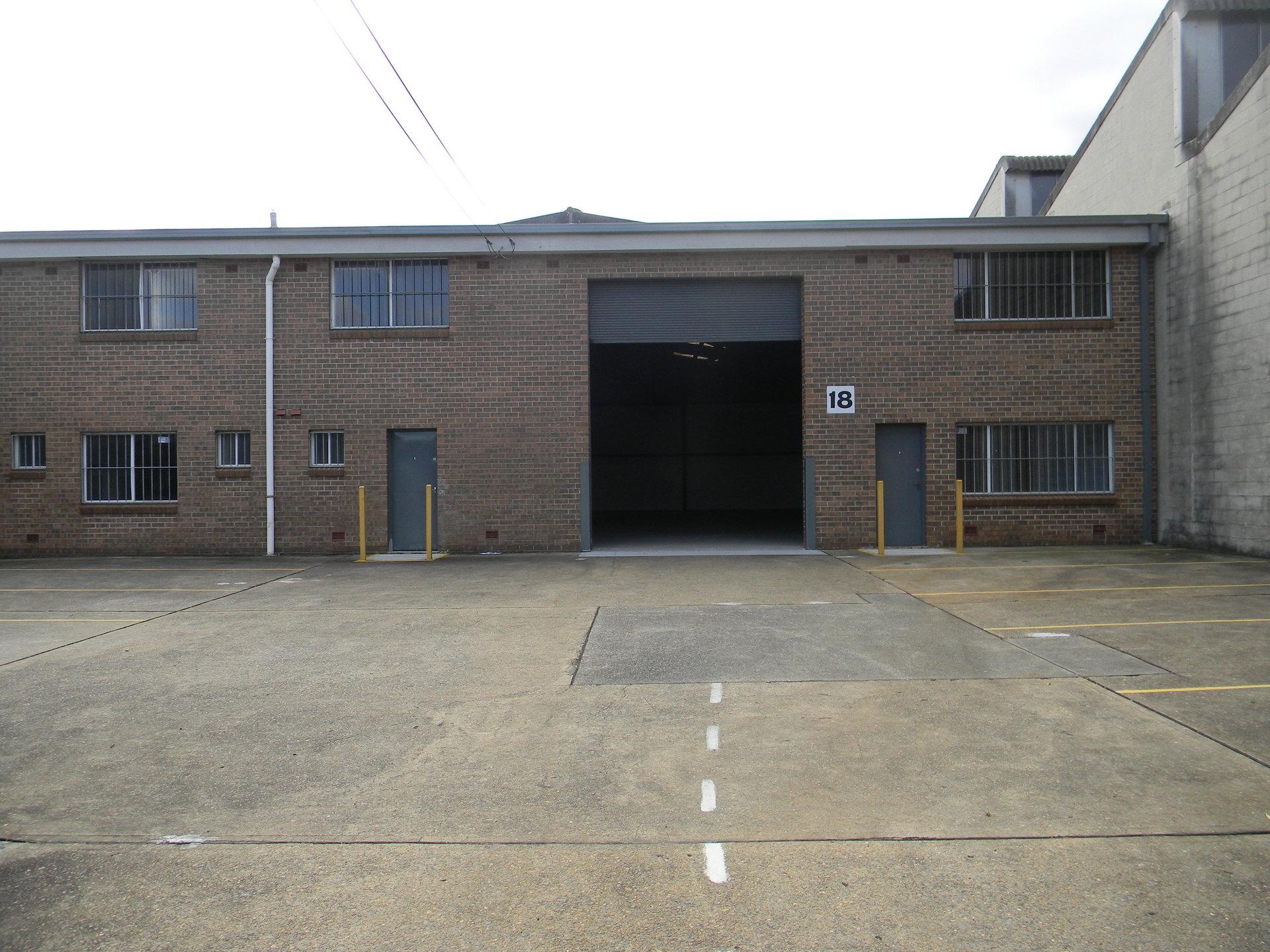 Warehouse / Ofice - 605*sqm approx