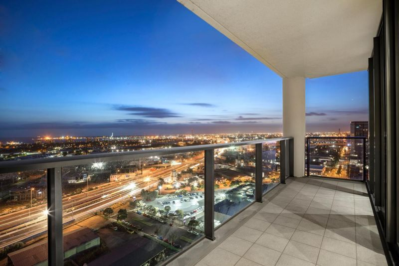 Modern and Spacious 26th Floor Beauty Near South Wharf
