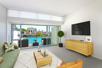 Fabulous Split Level Apartment - Corso Location