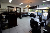 MEN'S & WOMEN'S HAIR SALON