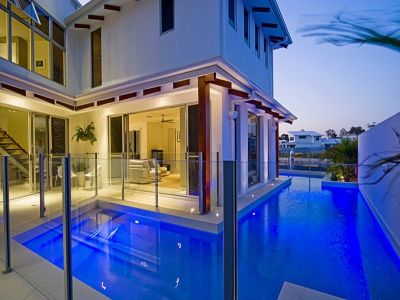 Stunning 56sq Luxury Home - 32.4m North-Facing Waterfront!