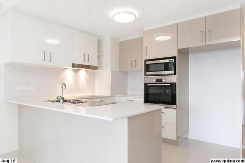 PET FRIENDLY UNIT WITHIN BRISBANE STATE CATCHMENT WITH A HUGE OUTDOOR ENTERTAINMENT AREA